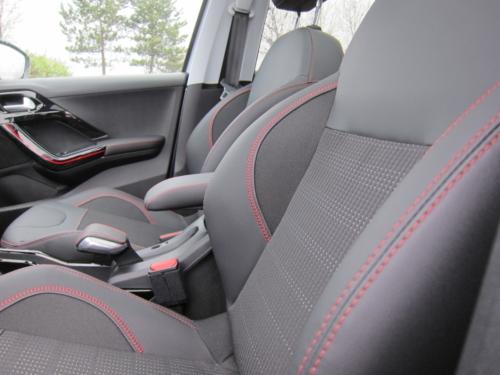 Peugeot 2008 GT (17)