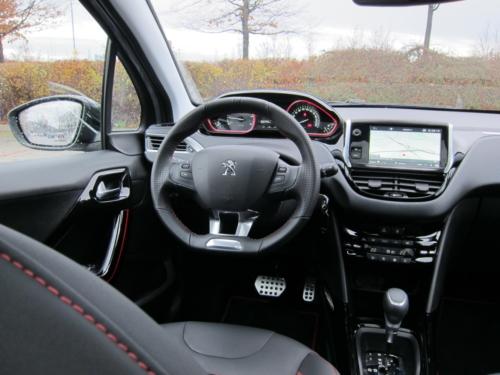 Peugeot 2008 GT (5)
