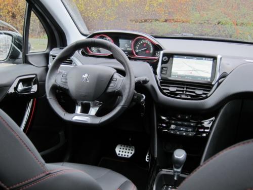 Peugeot 2008 GT (8)