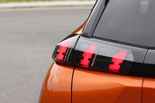 Peugeot 2008 GT (14)