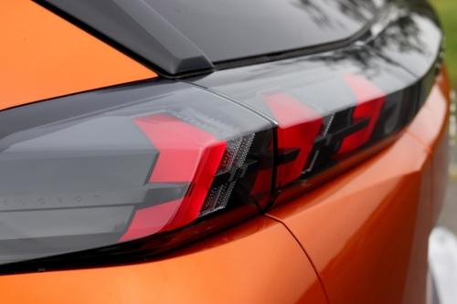 Peugeot 2008 GT (18)