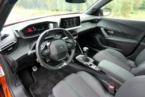 Peugeot 2008 GT (27)