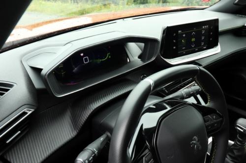 Peugeot 2008 GT (30)