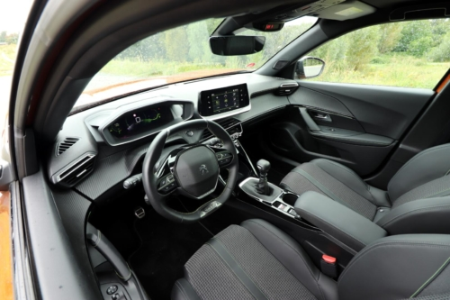 Peugeot 2008 GT (31)
