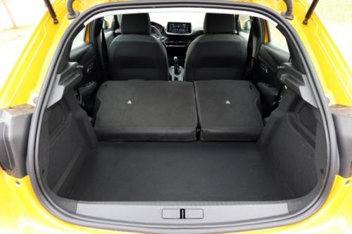Peugeot 208 Active 2020 (29)