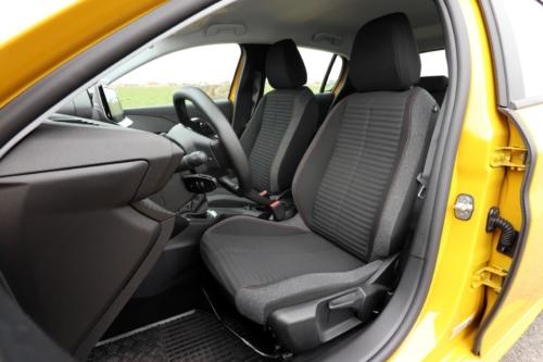 Peugeot 208 Active 2020 (42)
