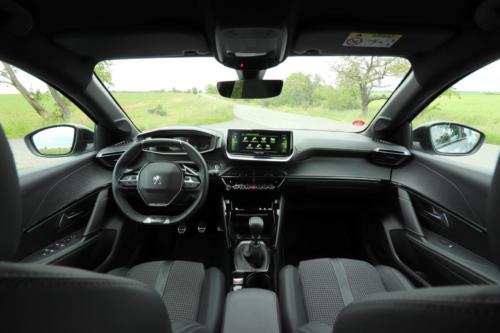 Peugeot 208 GT Line (13)