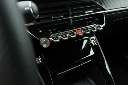 Peugeot 208 GT Line (24)
