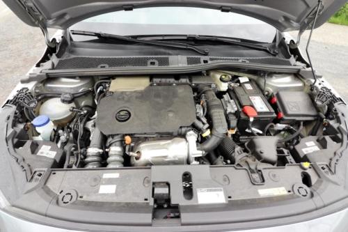 Peugeot 208 GT Line (29)