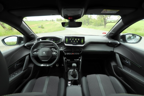 Peugeot 208 GT Line (8)