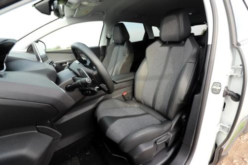Peugeot 3008 hybrid4 (11)