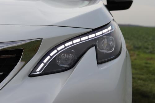 Peugeot 3008 hybrid4 (36)