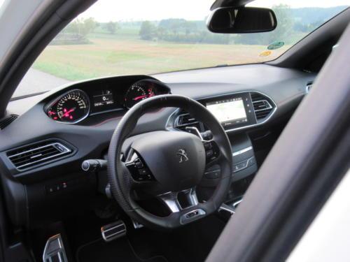 Peugeot 308 SW GT 2018 (11)