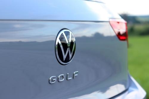 Volkswagen Golf VIII (102)
