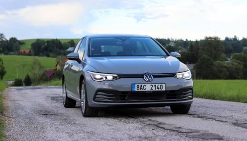 Volkswagen Golf VIII (75)