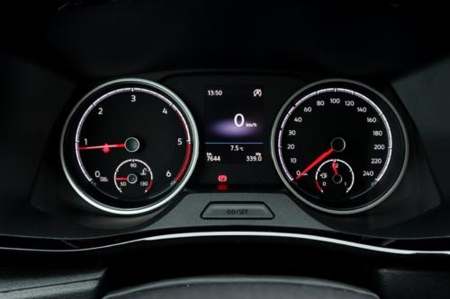 Volkswagen Multivan Bulli 2020 (19)