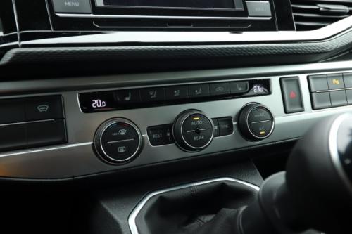 Volkswagen Multivan Bulli 2020 (21)