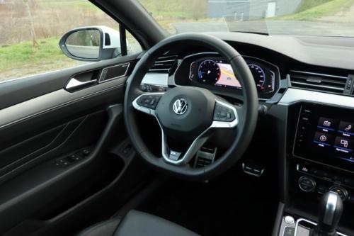 volkswagen passat variant 2021 (80)