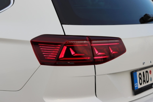 volkswagen passat variant 2021 (9)